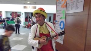 dott. Din Don con ukulele